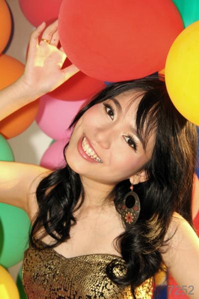 IMG_7252_Asia_Girl_Luftballongs_Photo_Hechel_Dental_Elan