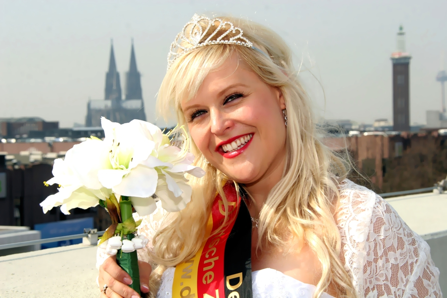 IMG_9105_Zahnkoenigin_Meike_IDS_Messe_Köln_Foto_Hechel_Dental-Elan_600pi